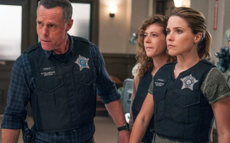 'Chicago PD' season 4, episode 1 review: Voight faces Crowley, Halstead asks Lindsay to move in